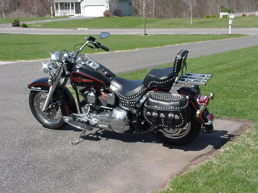 Harley-Davidson FLSTC Heritage Softail Classic 1998 images #80161