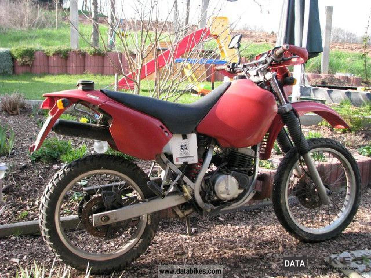 Cagiva W 8 1992 images #67111