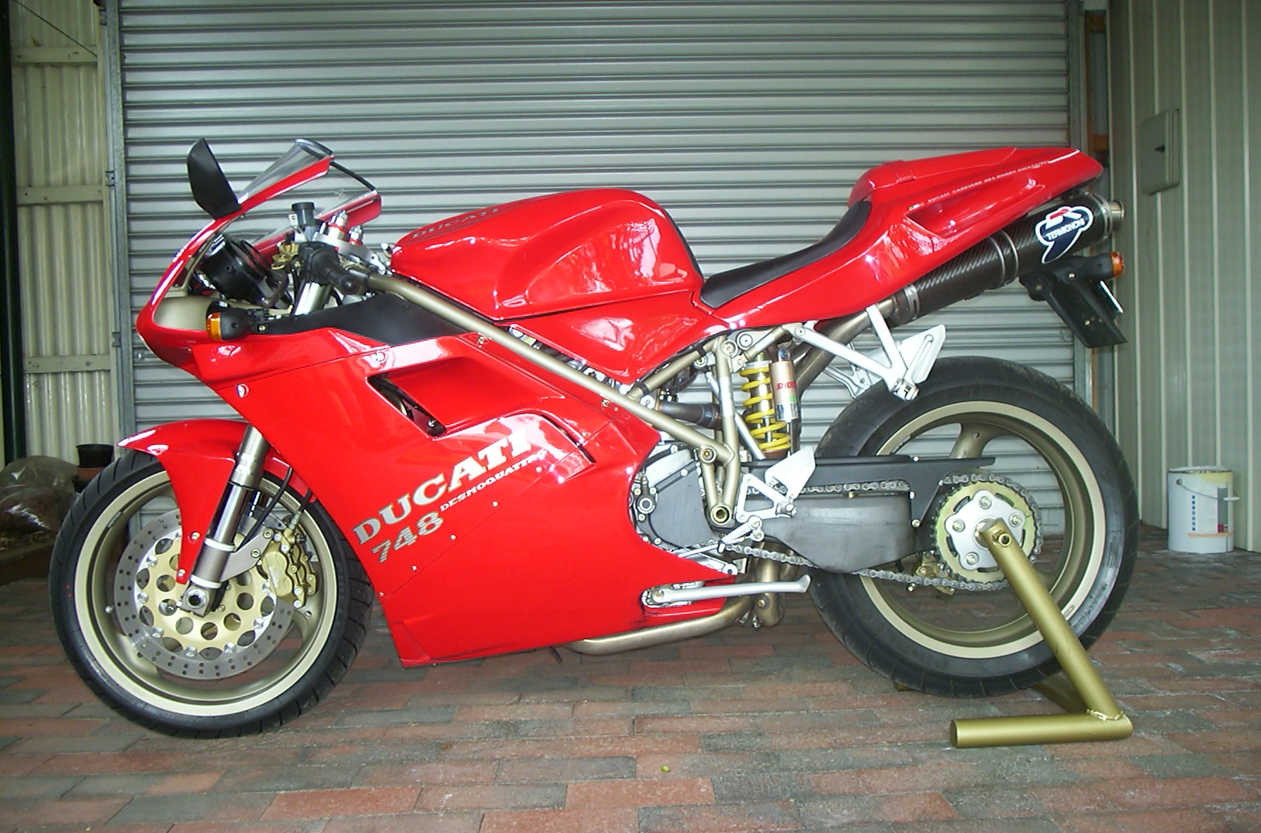 Ducati 748 Biposto 1996 wallpapers #14137