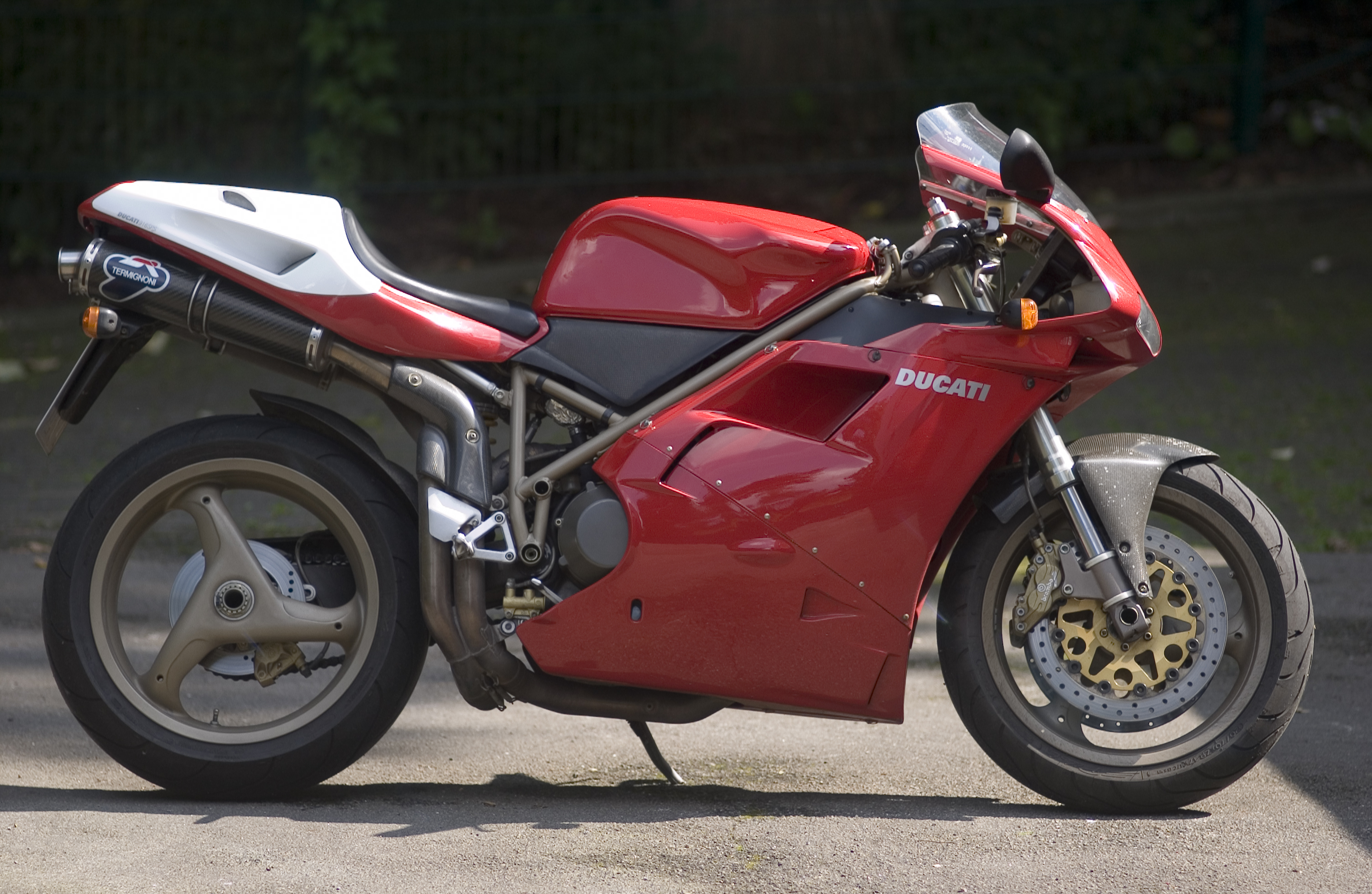 Ducati 748 Biposto 1996 wallpapers #14138