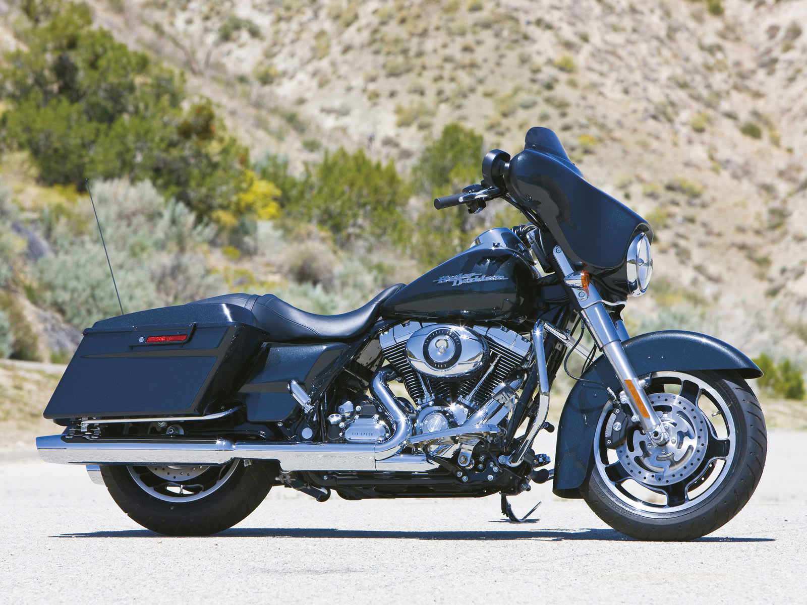 2007 Harley-Davidson FLHX Street Glide: pics, specs and information ...