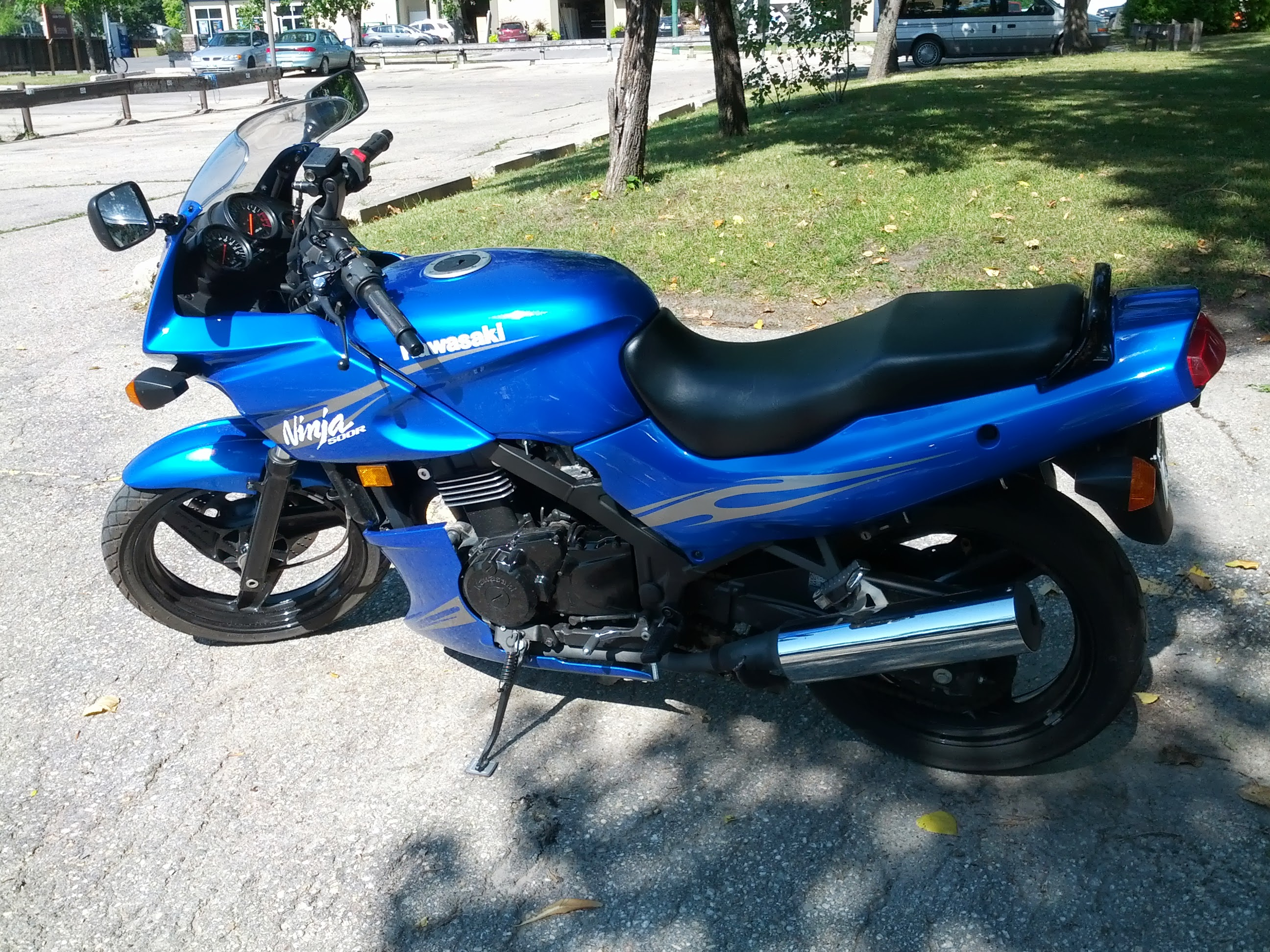 1998 kawasaki gpz 500 s pics specs and information. Black Bedroom Furniture Sets. Home Design Ideas