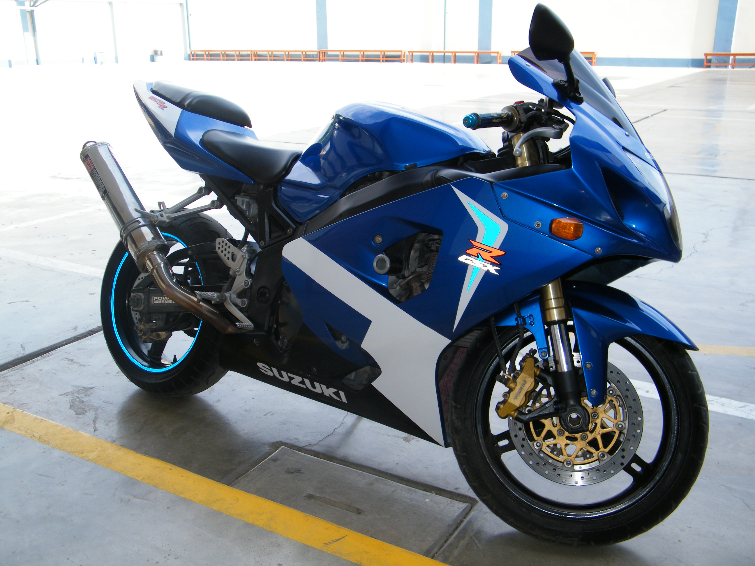 2005 suzuki gsx r 600 pics specs and information. Black Bedroom Furniture Sets. Home Design Ideas