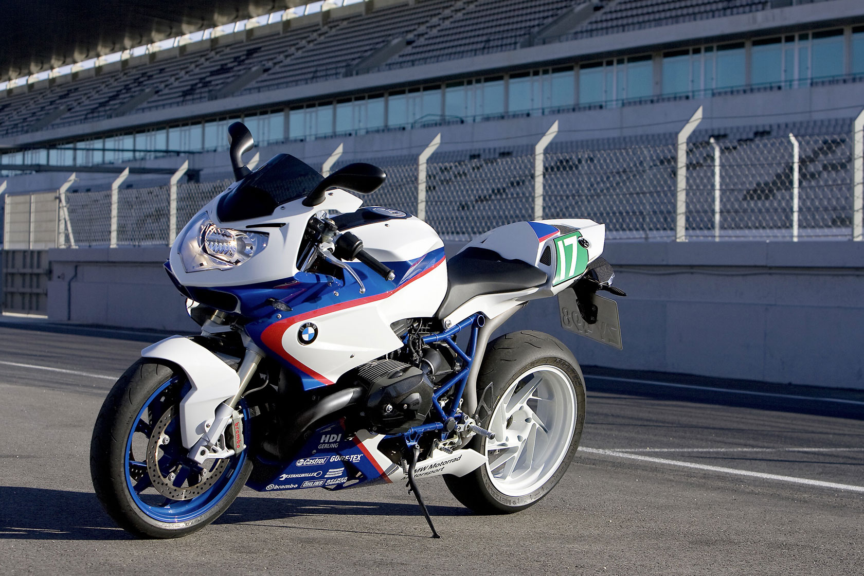BMW HP2 Sport 2010 images #31804