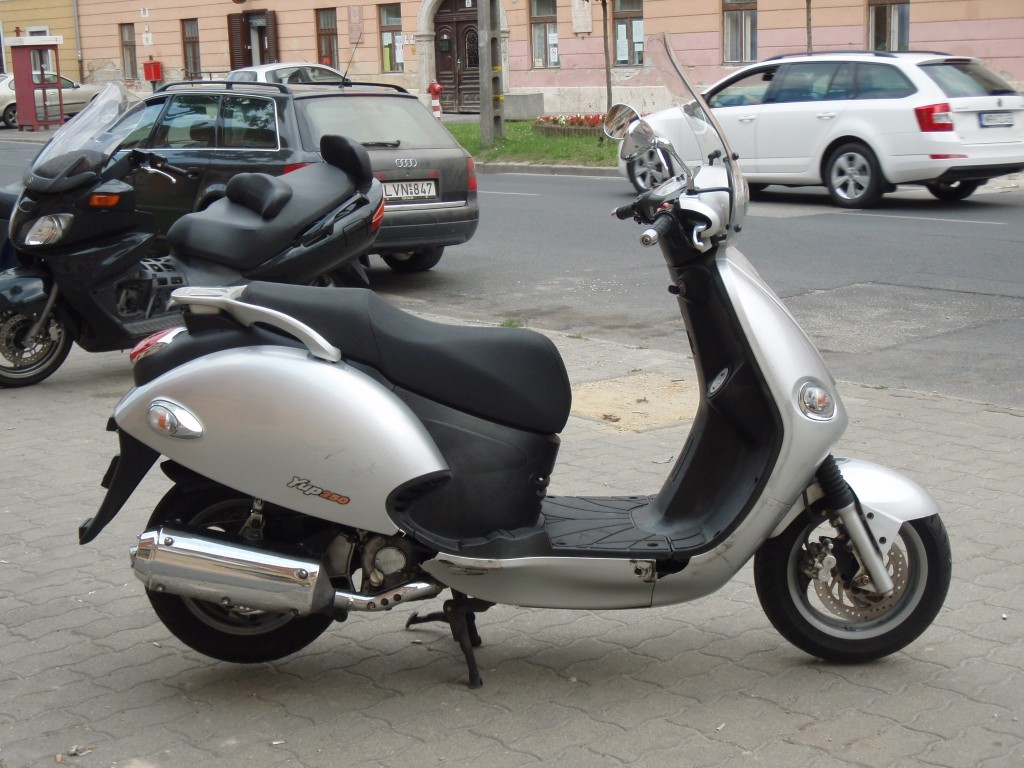 2004 kymco yup 50 pics specs and information. Black Bedroom Furniture Sets. Home Design Ideas