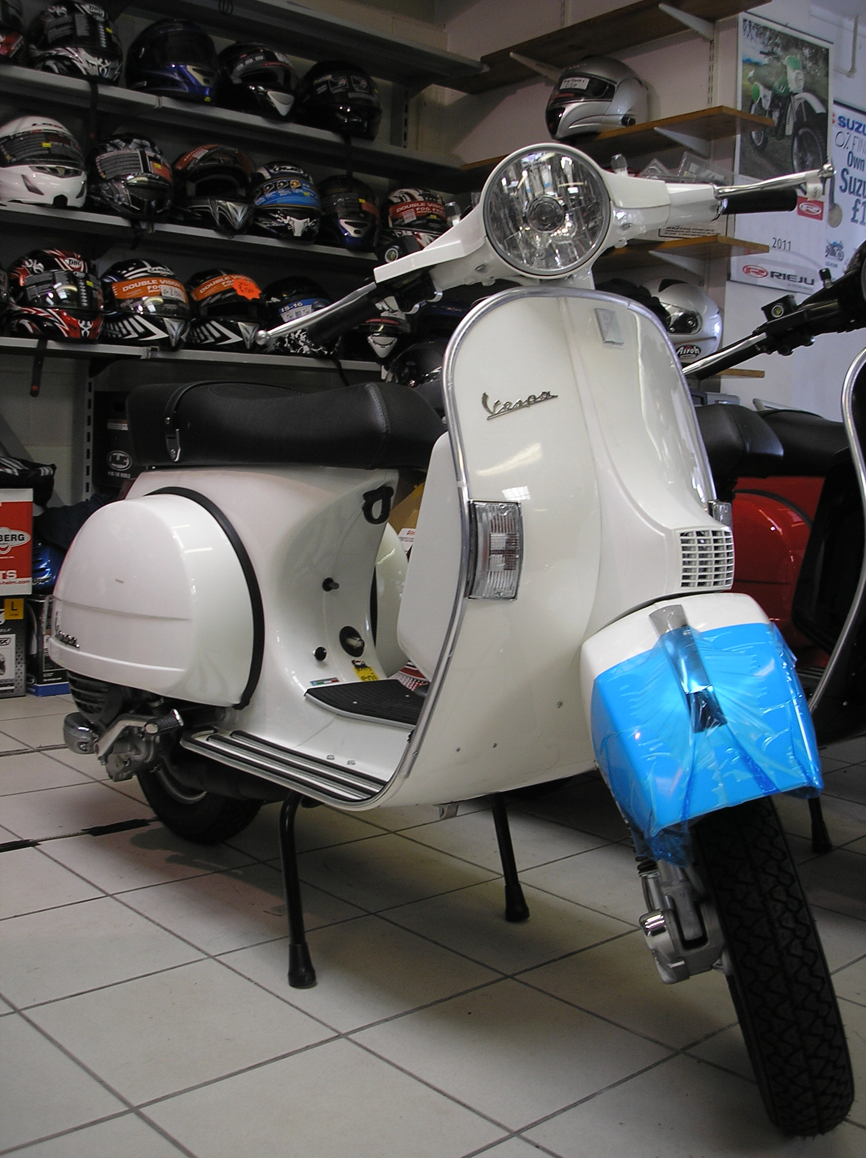2006 vespa px 125 pics specs and information. Black Bedroom Furniture Sets. Home Design Ideas