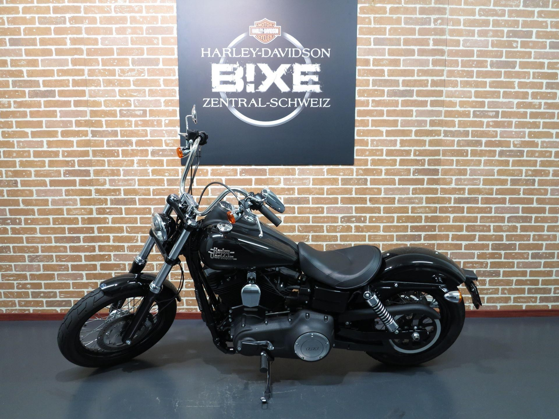 2010 harley davidson fxdb dyna street bob pics specs and information. Black Bedroom Furniture Sets. Home Design Ideas