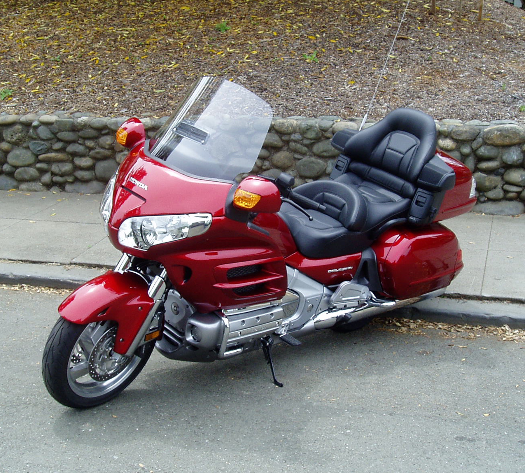 2010 honda gl 1800 gold wing pics specs and information. Black Bedroom Furniture Sets. Home Design Ideas