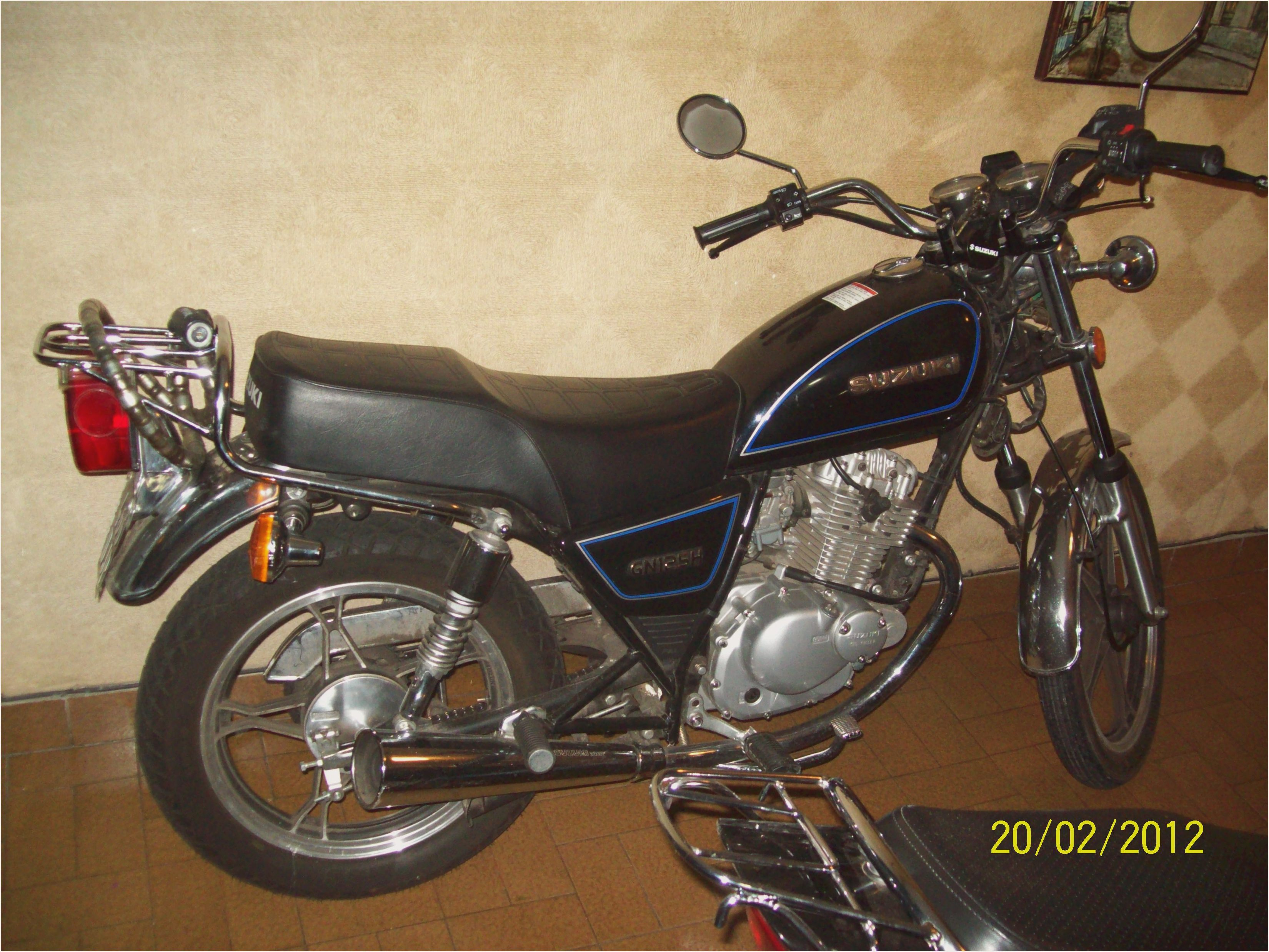 1994 suzuki gn 125 e pics specs and information. Black Bedroom Furniture Sets. Home Design Ideas