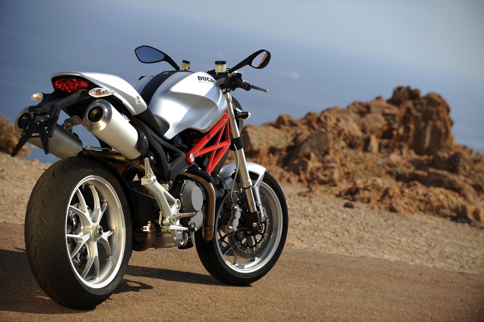 Ducati Monster 1100 2009 wallpapers #12158