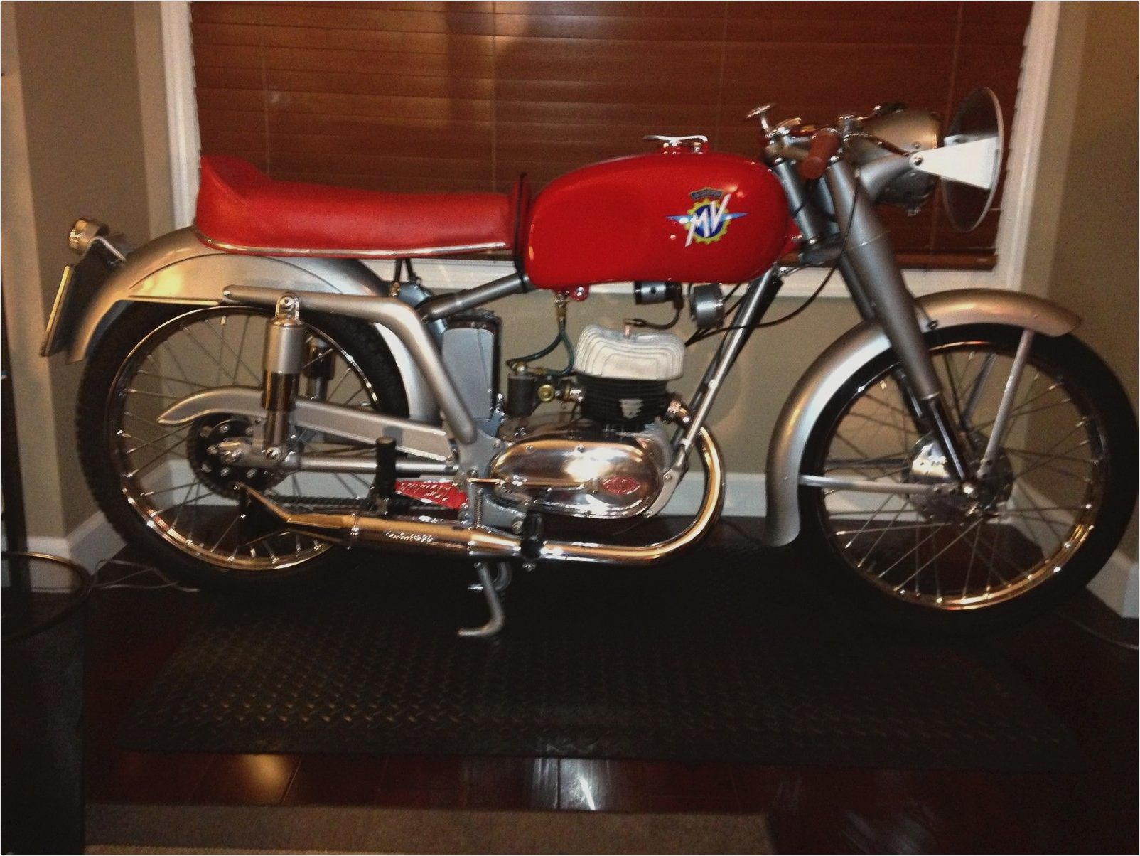 MV Agusta 125 S 1975 images #113426