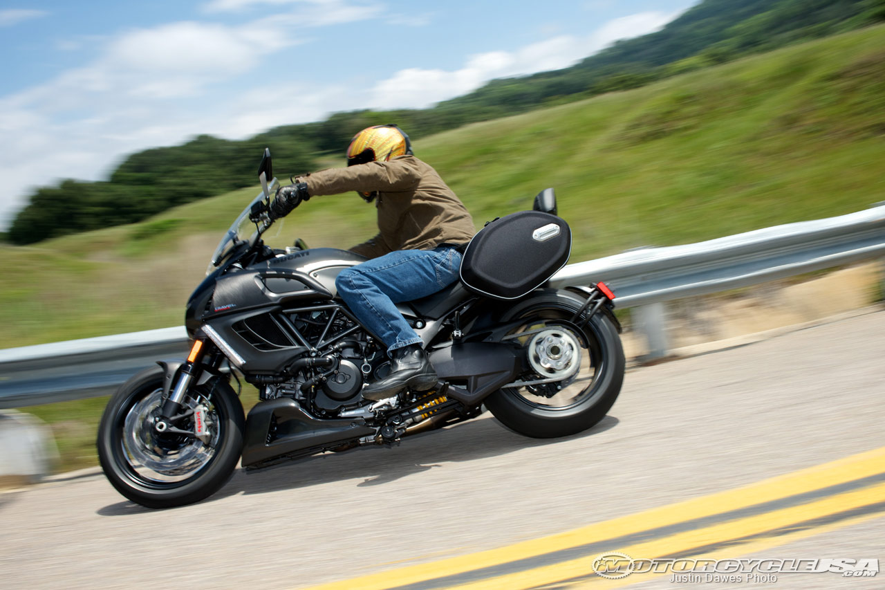 Ducati Diavel Strada 2013 wallpapers #12757