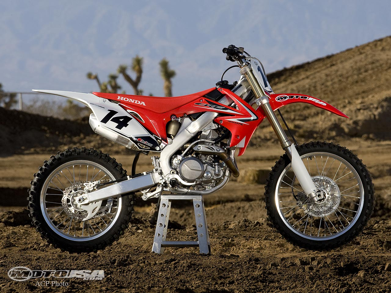 2009 Honda CRF 450 X: pics, specs and information - onlymotorbikes.com