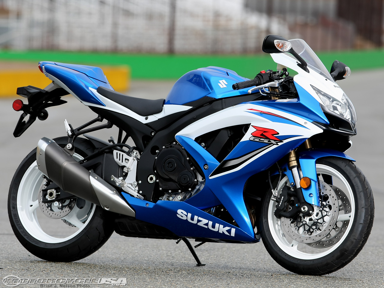 2009 suzuki gsx r 750 pics specs and information. Black Bedroom Furniture Sets. Home Design Ideas