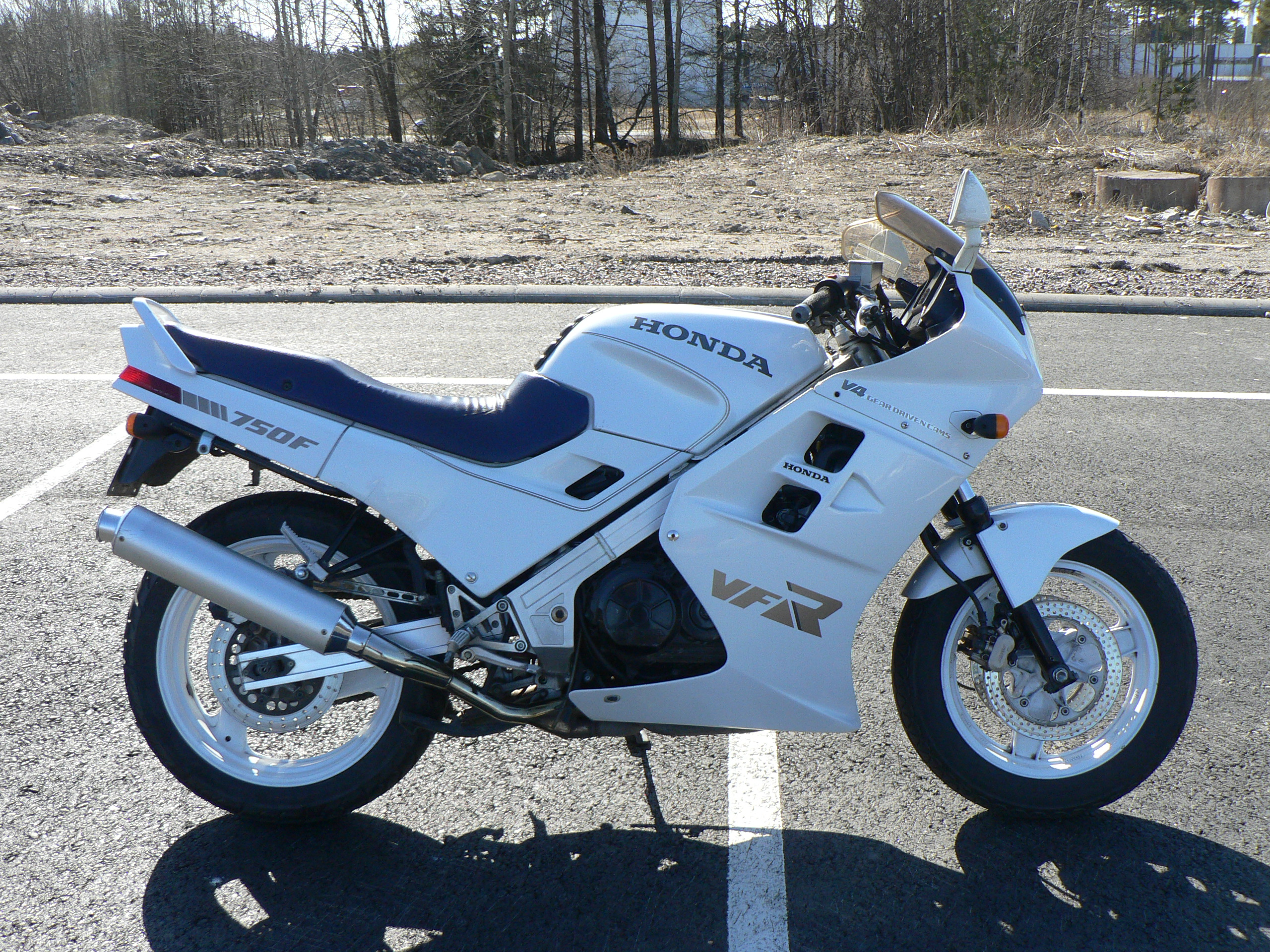 Honda vfr 400 nc24 pics specs and list of seriess by year honda vfr 400 nc24 images 81060 cheapraybanclubmaster Image collections