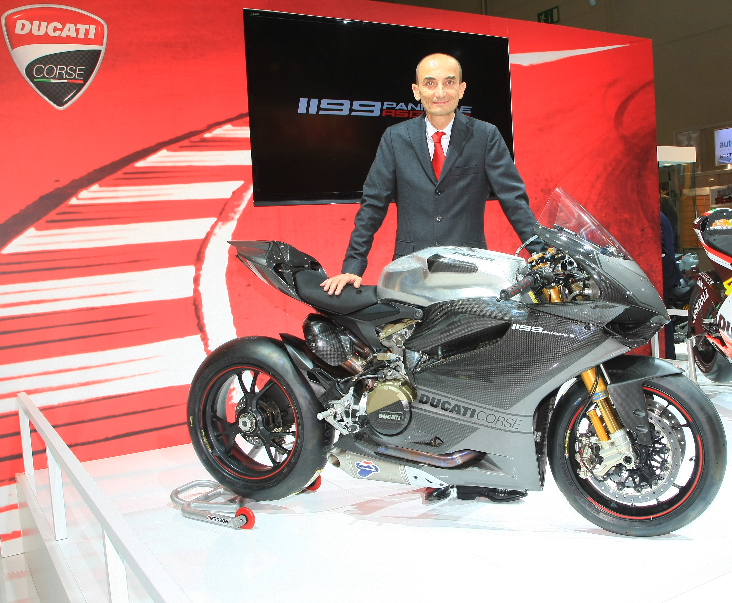 Ducati Superbike 1199 Panigale R 2013 wallpapers #13356