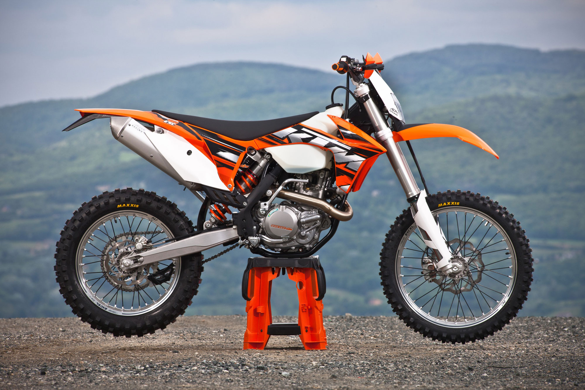 2010 ktm 450 exc sixdays pics specs and information. Black Bedroom Furniture Sets. Home Design Ideas