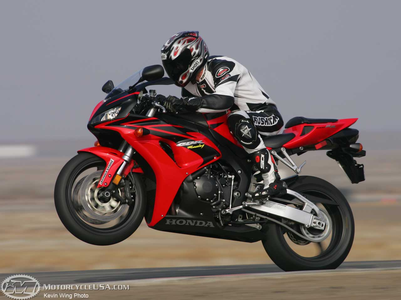 2004 honda cbr 1000 rr pics specs and information. Black Bedroom Furniture Sets. Home Design Ideas