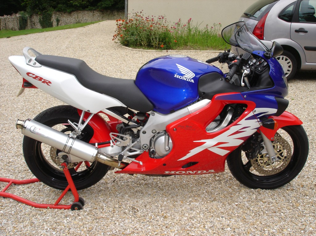 2000 honda cbr 600 f pics specs and information. Black Bedroom Furniture Sets. Home Design Ideas