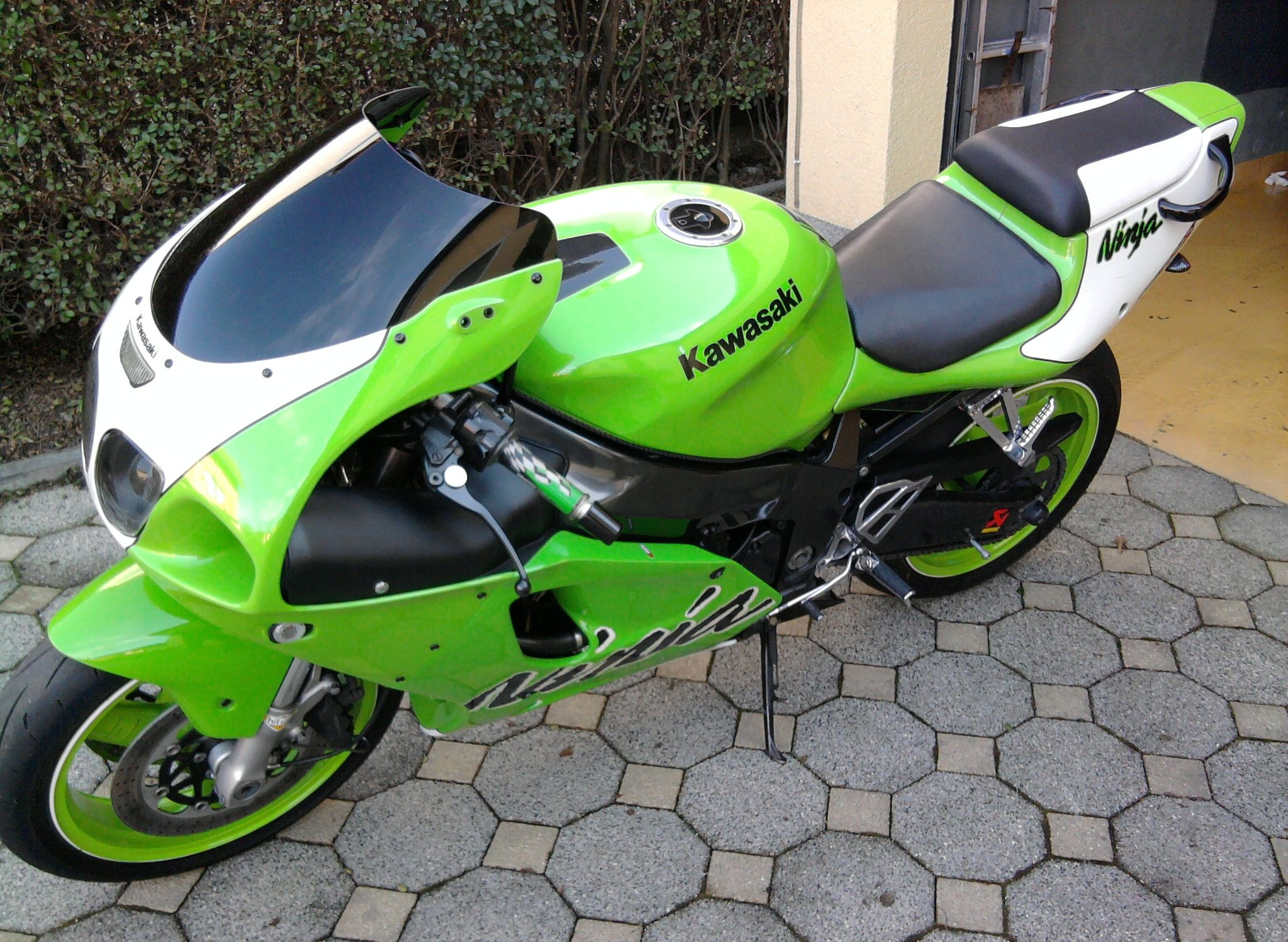 Kawasaki Ninja ZX-7R 2000 wallpapers #134671