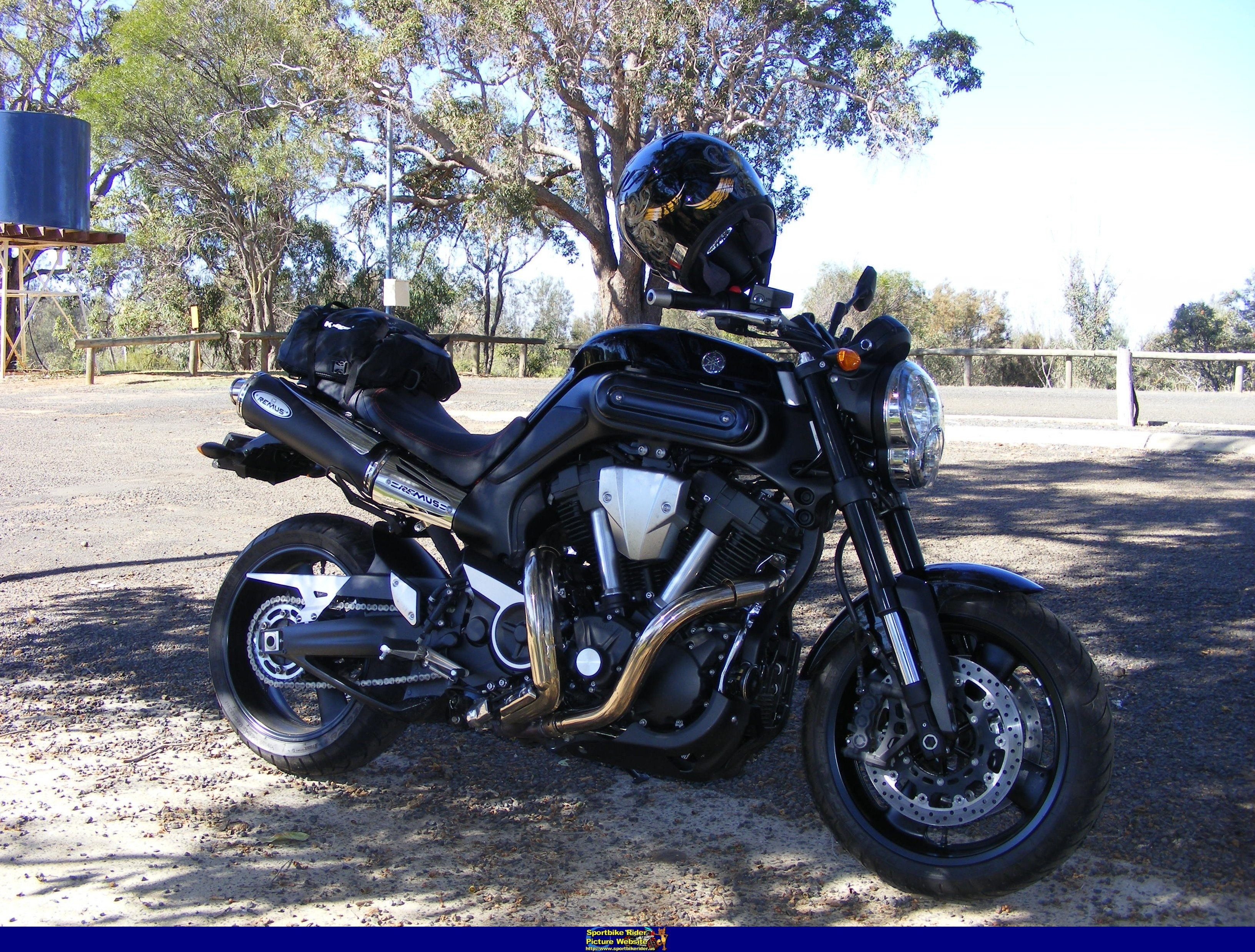 2009 yamaha mt 01 pics specs and information. Black Bedroom Furniture Sets. Home Design Ideas