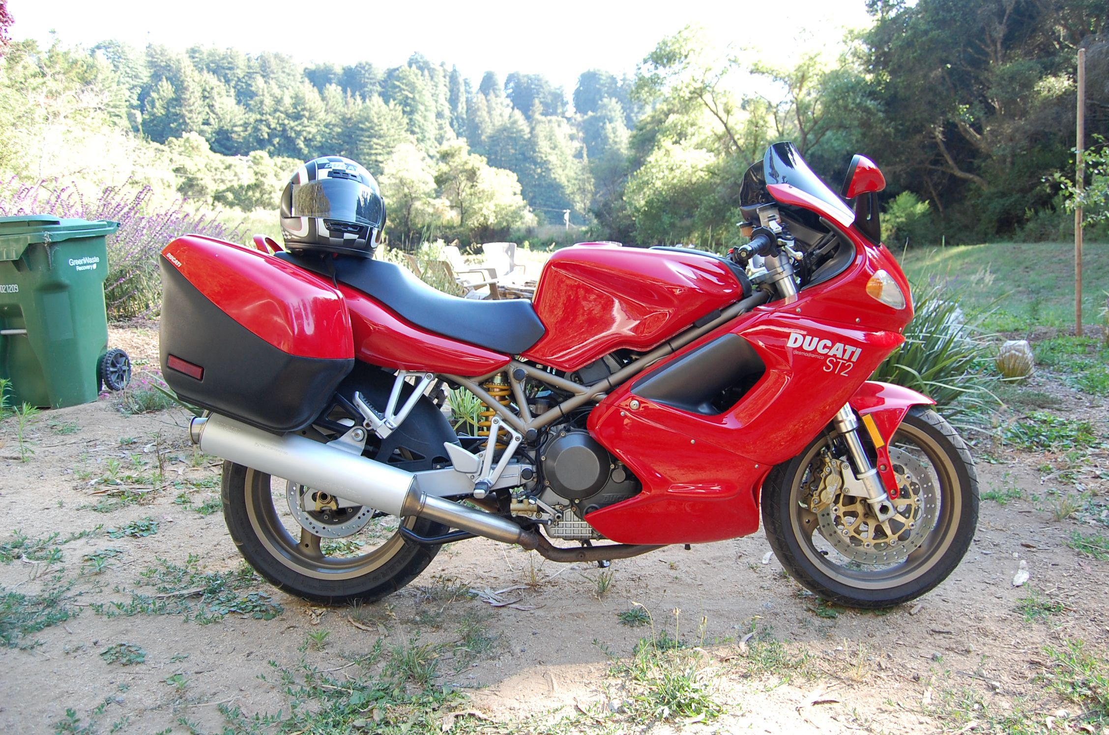 Ducati ST2 2001 wallpapers #11669
