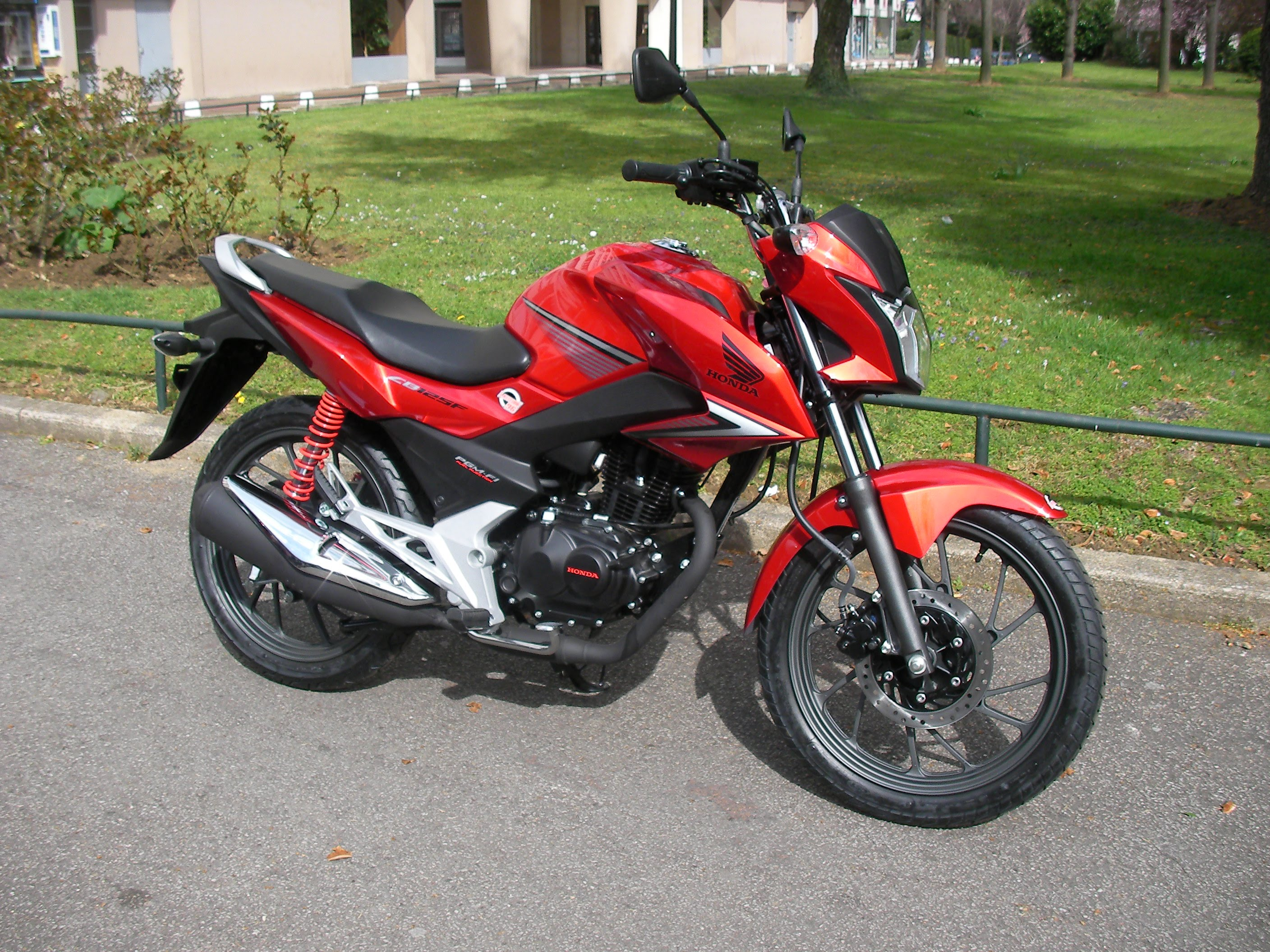 2015 honda cb 125 f pics specs and information. Black Bedroom Furniture Sets. Home Design Ideas