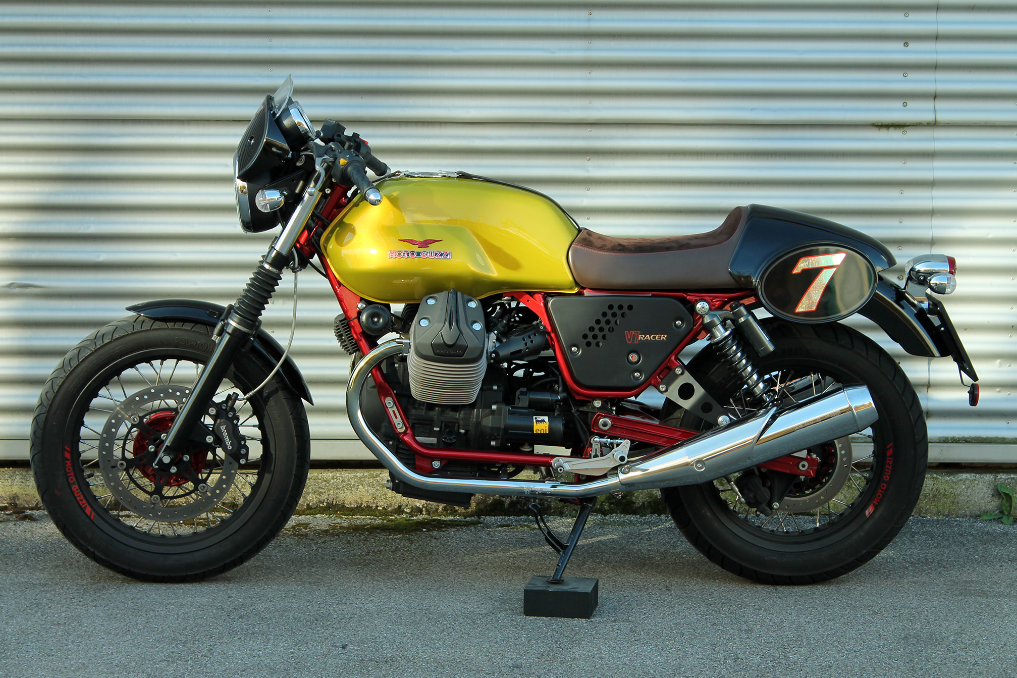 Moto Guzzi V7 Racer Limited Edition 2011 images #109575