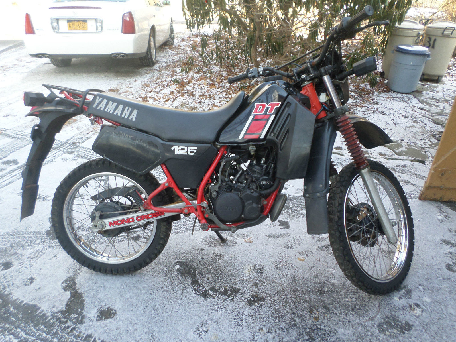1989 yamaha dt 125 r pics specs and information. Black Bedroom Furniture Sets. Home Design Ideas