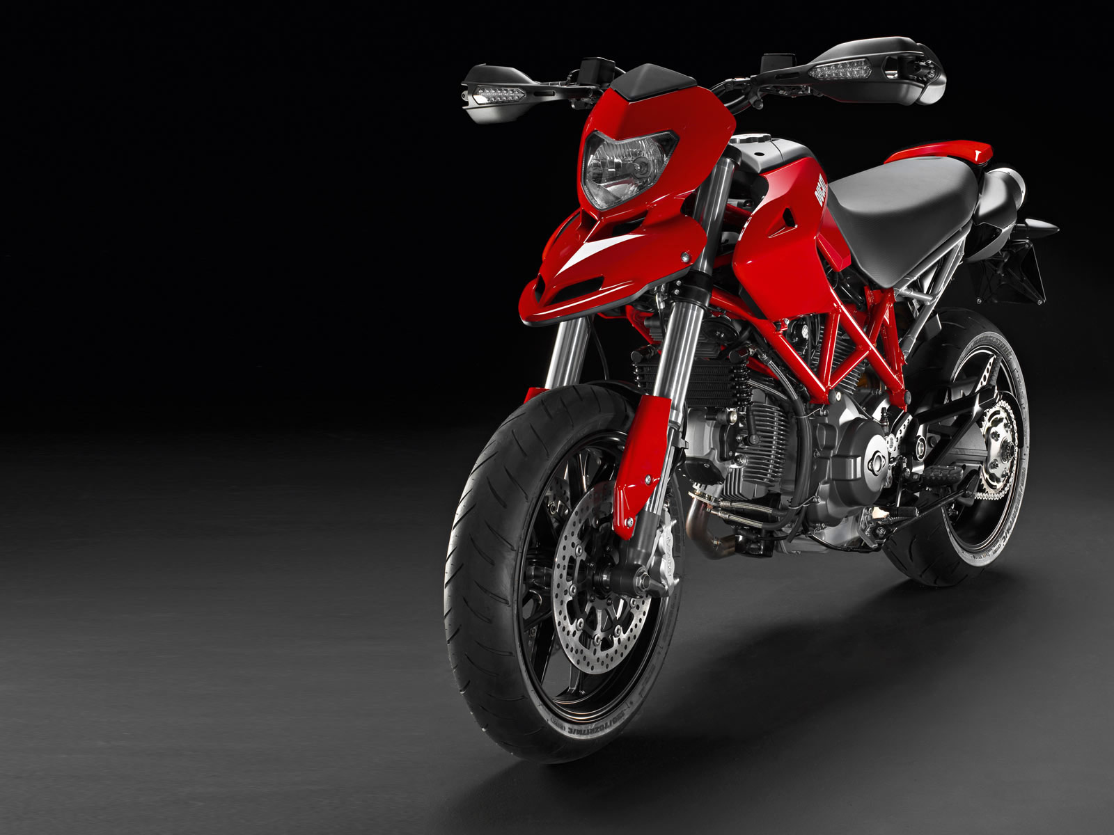 Ducati Hypermotard 796 2011 images #79579