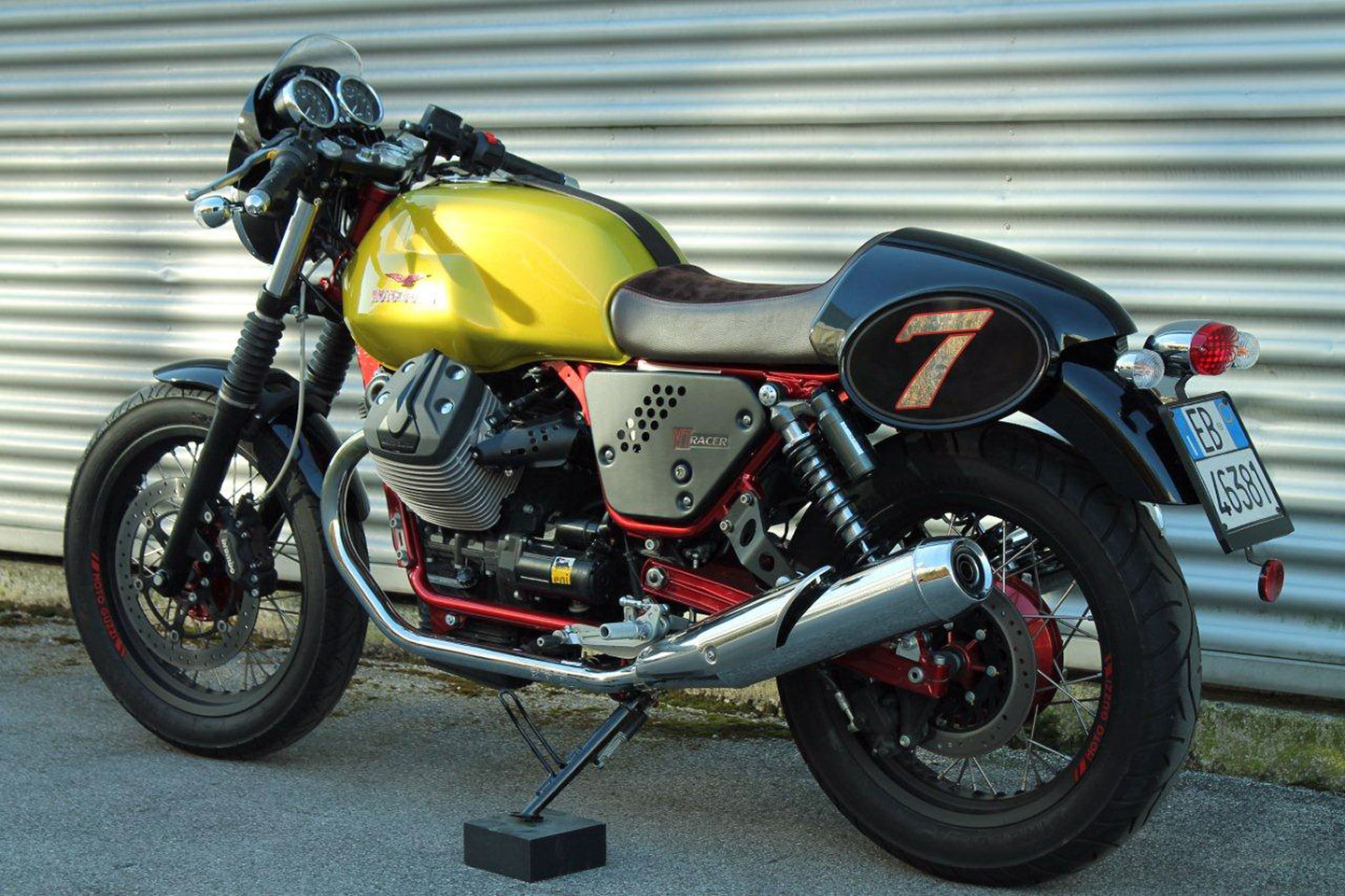 Moto Guzzi V7 Racer Limited Edition 2011 images #109578