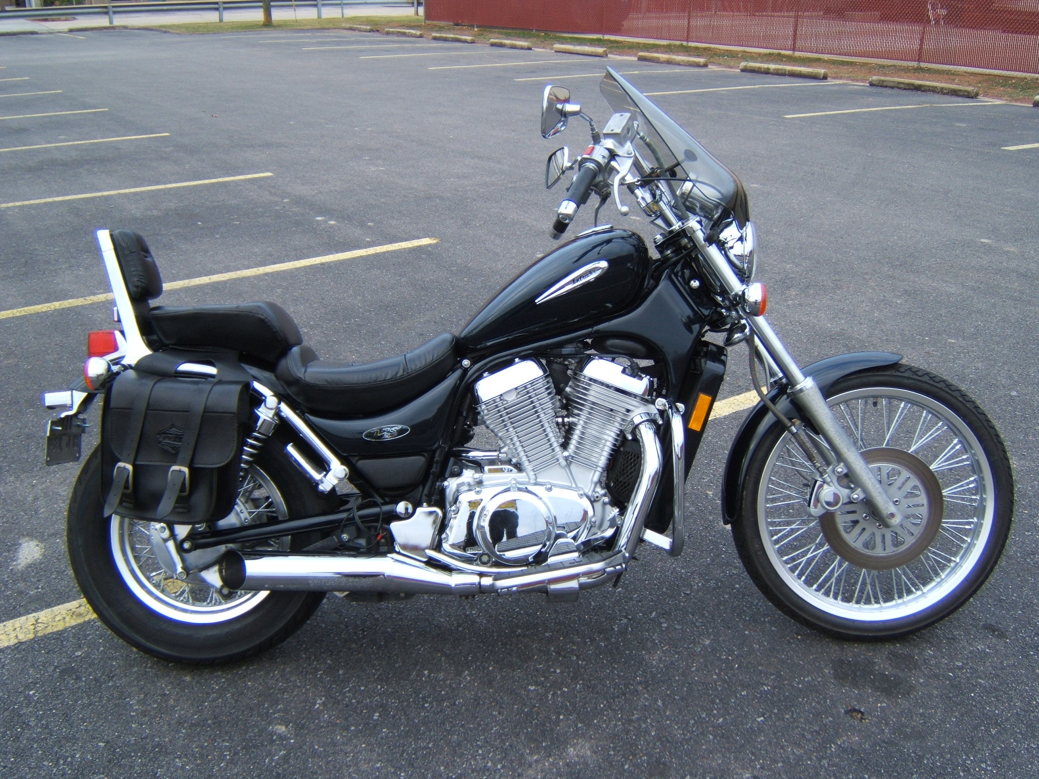 2003 suzuki vs 1400 gl pics specs and information. Black Bedroom Furniture Sets. Home Design Ideas