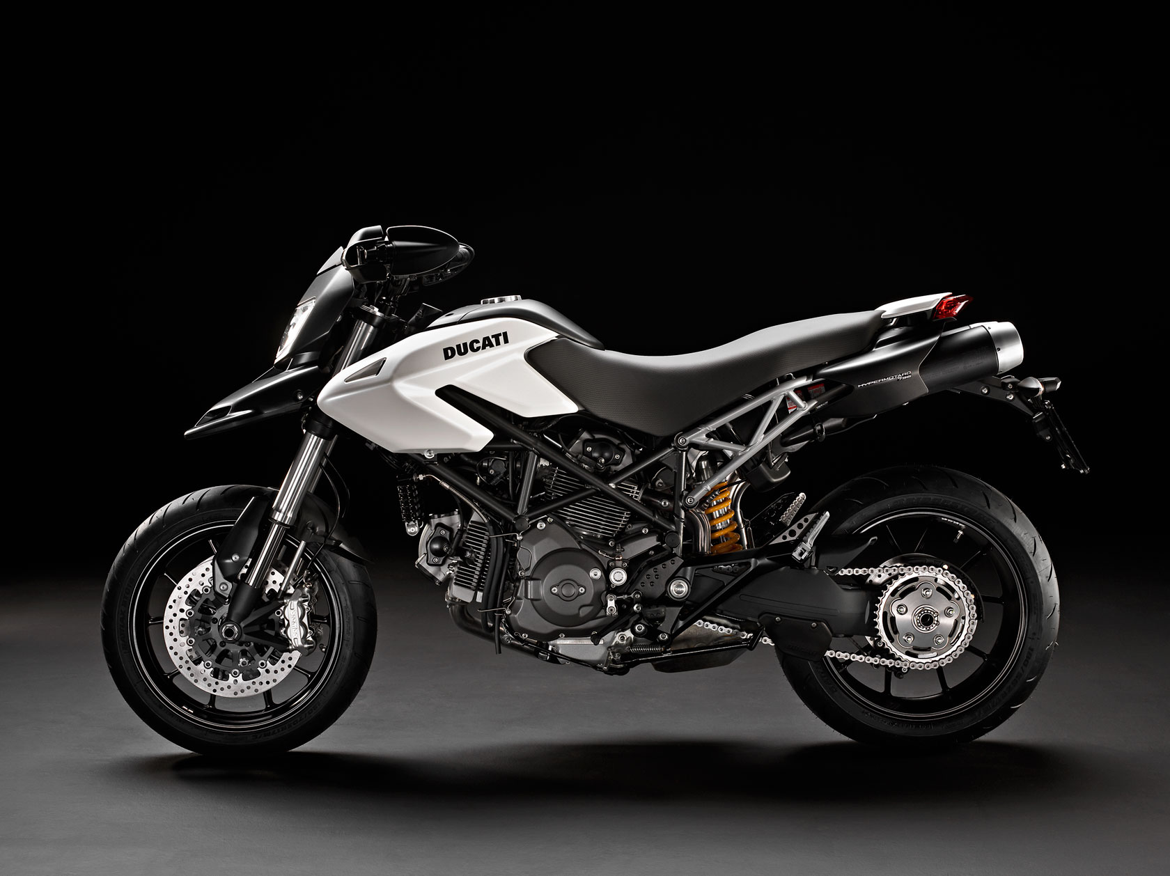 Ducati Hypermotard 796 2011 images #79580