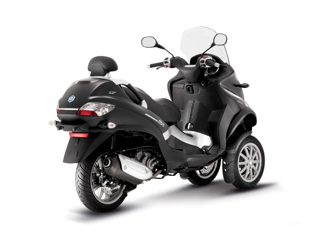 Piaggio MP3 300 Hybrid 2011 images #120537