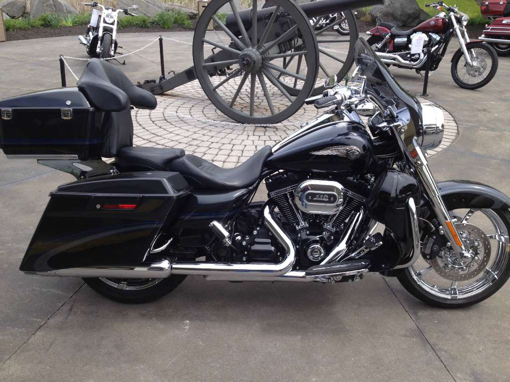 Harley-Davidson FLHR Road King 110th Anniversary 2013 images #81567