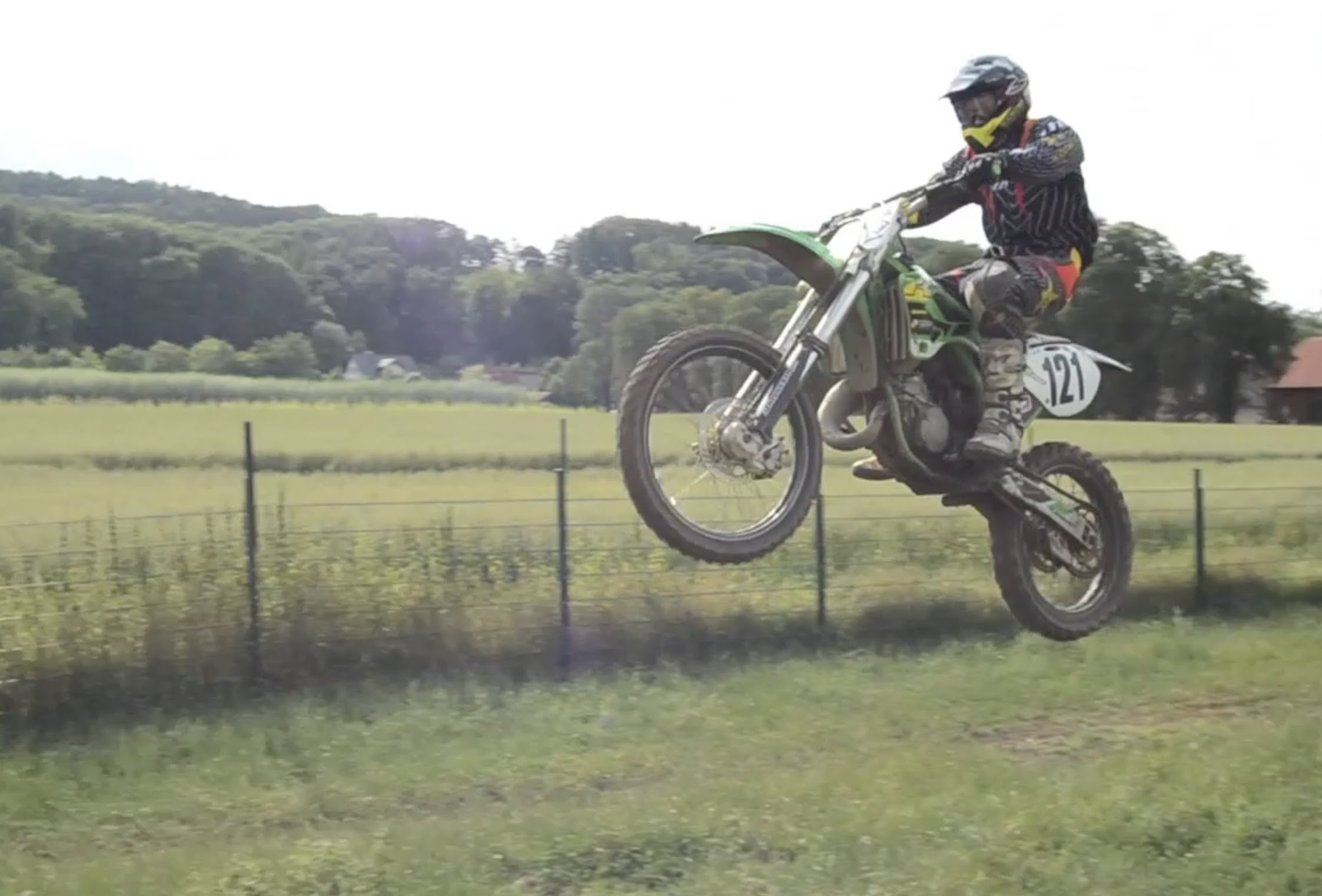 2002 kawasaki kx 125 pics specs and information. Black Bedroom Furniture Sets. Home Design Ideas