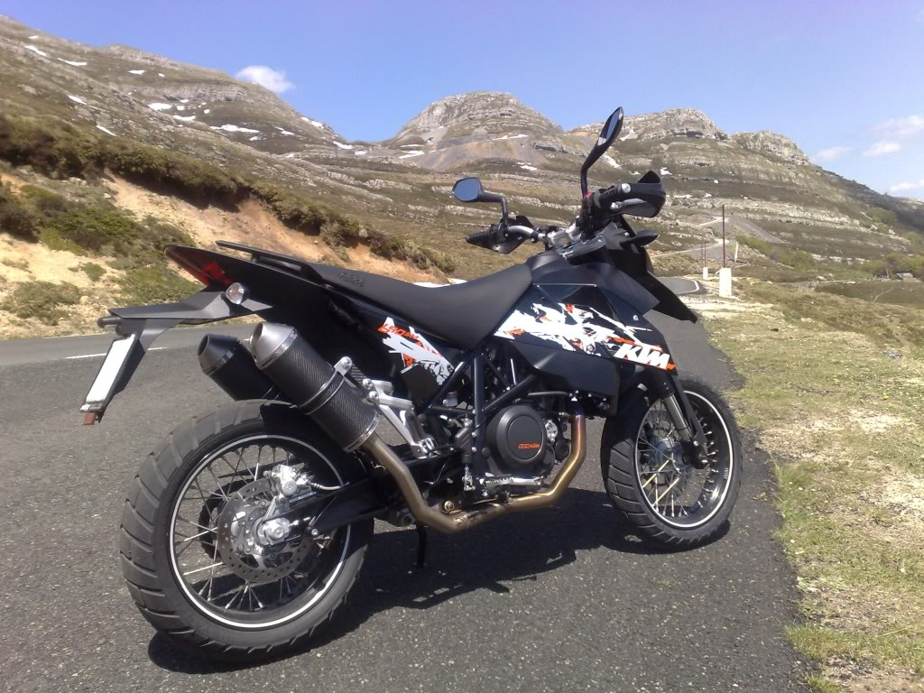 KTM 690 Supermoto Limited Edition 2010 images #155302