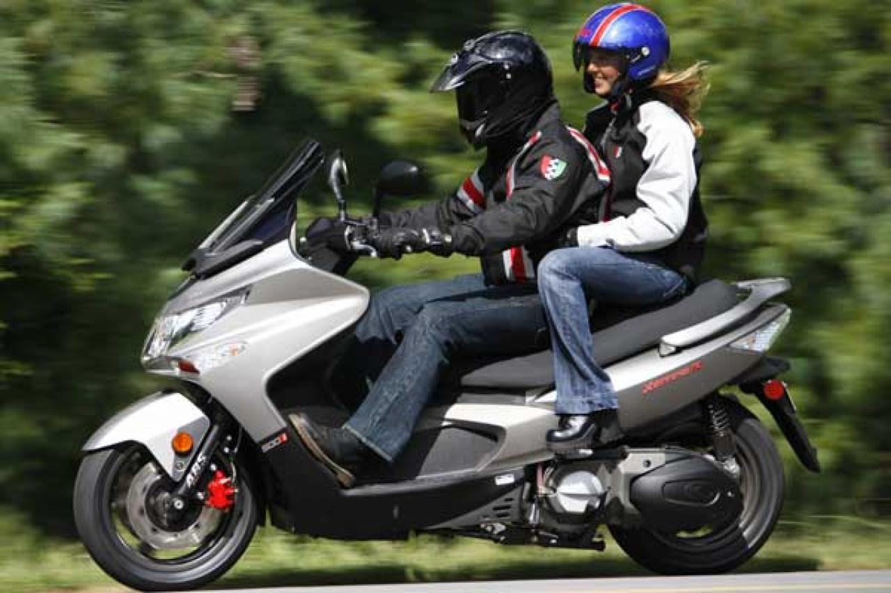 Kymco Xciting 500i 2010 images #101993