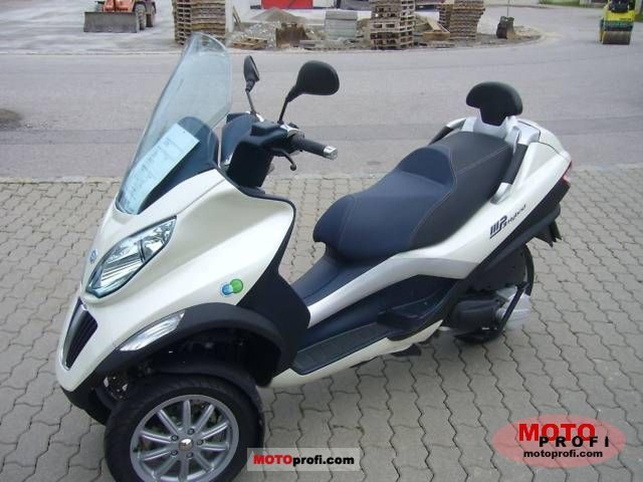 piaggio mp3 125 hybrid pics specs and list of seriess by year. Black Bedroom Furniture Sets. Home Design Ideas