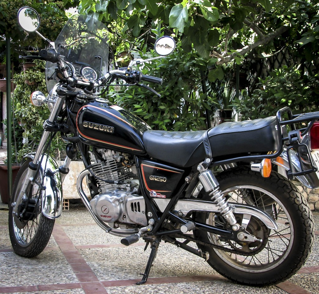 2000 suzuki gn 250 e pics specs and information. Black Bedroom Furniture Sets. Home Design Ideas