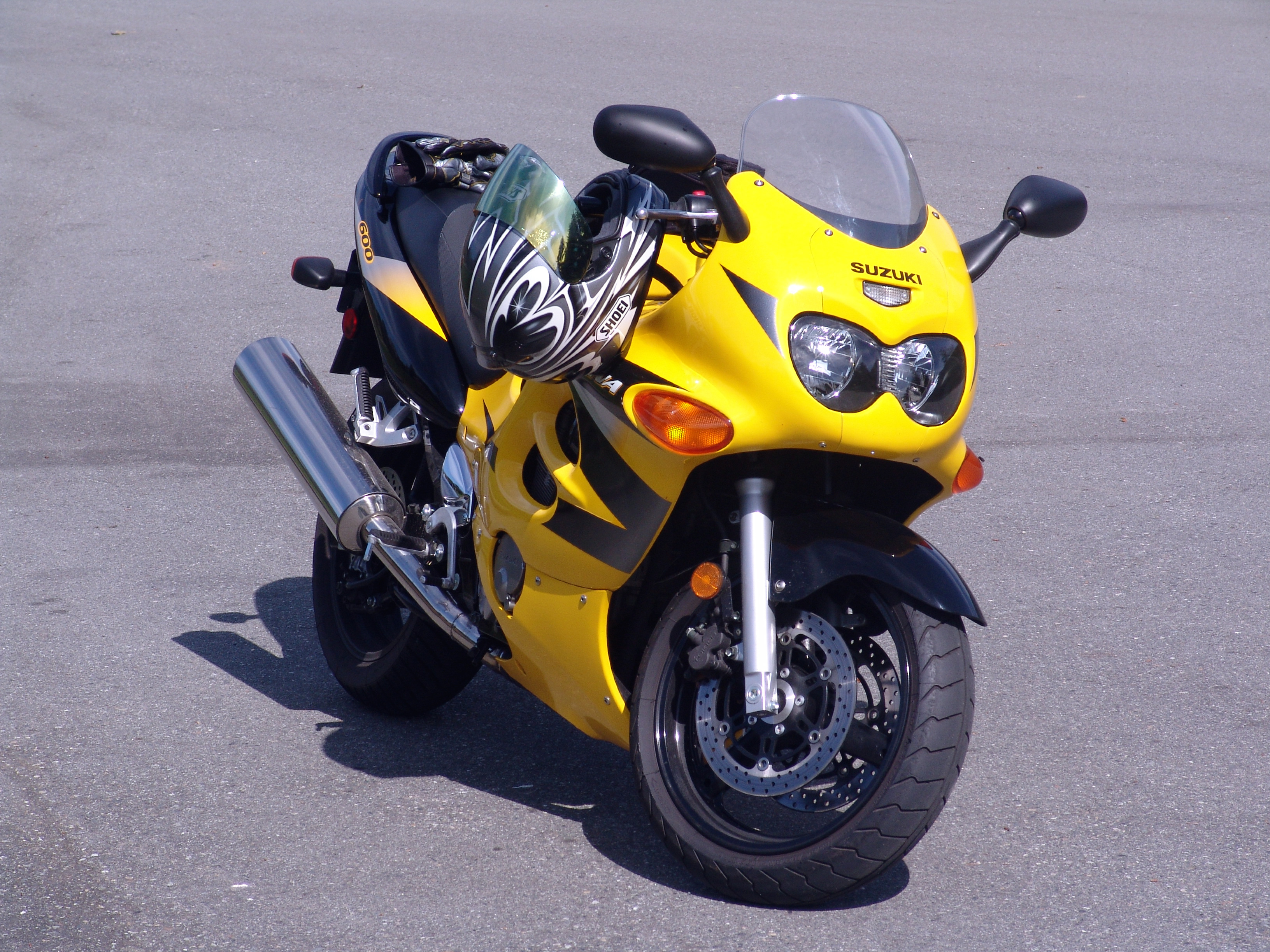 2005 suzuki gsx 600 f pics specs and information. Black Bedroom Furniture Sets. Home Design Ideas