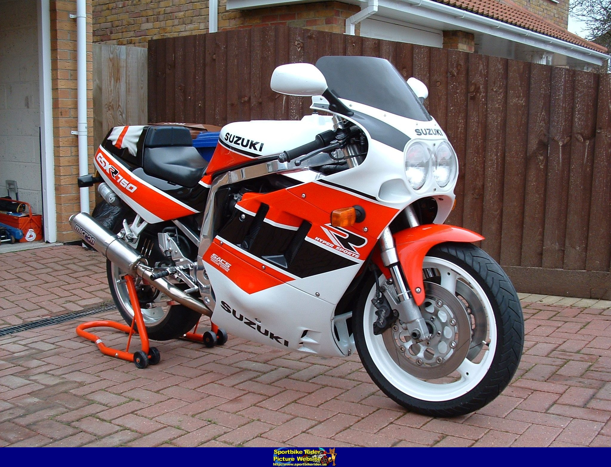 1990 suzuki gsx r 750 pics specs and information. Black Bedroom Furniture Sets. Home Design Ideas