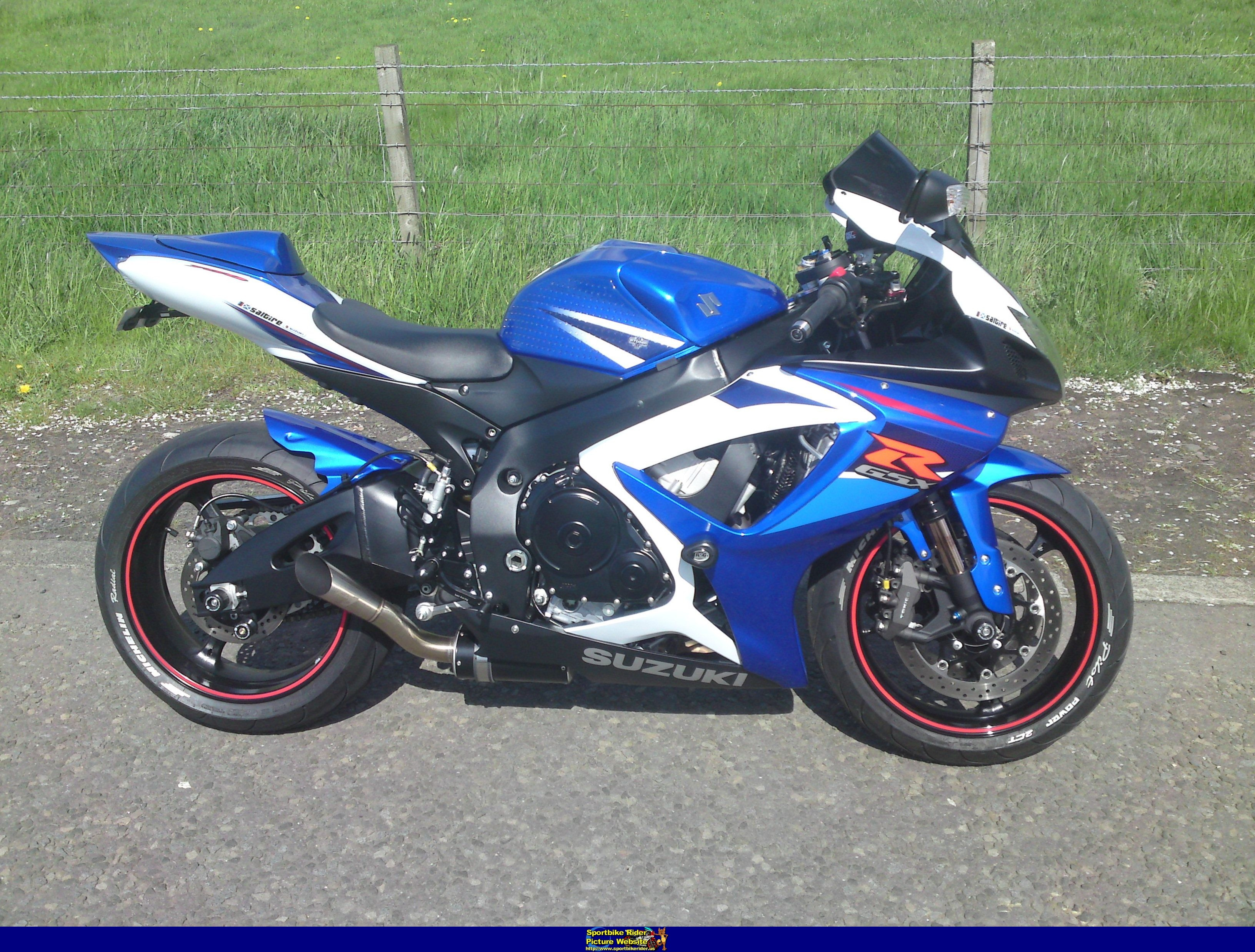 2007 suzuki gsx r 750 pics specs and information. Black Bedroom Furniture Sets. Home Design Ideas