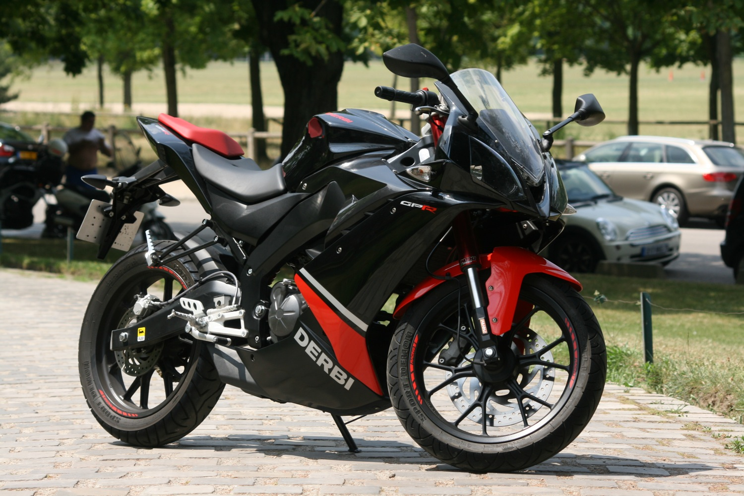 2011 derbi gpr 125 4t 4v pics specs and information. Black Bedroom Furniture Sets. Home Design Ideas