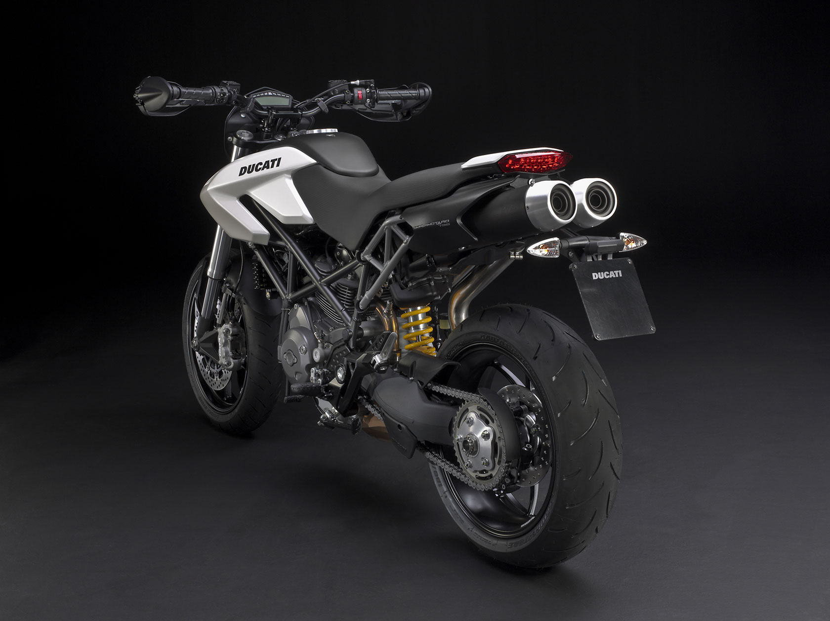 Ducati Hypermotard 796 2011 images #79582