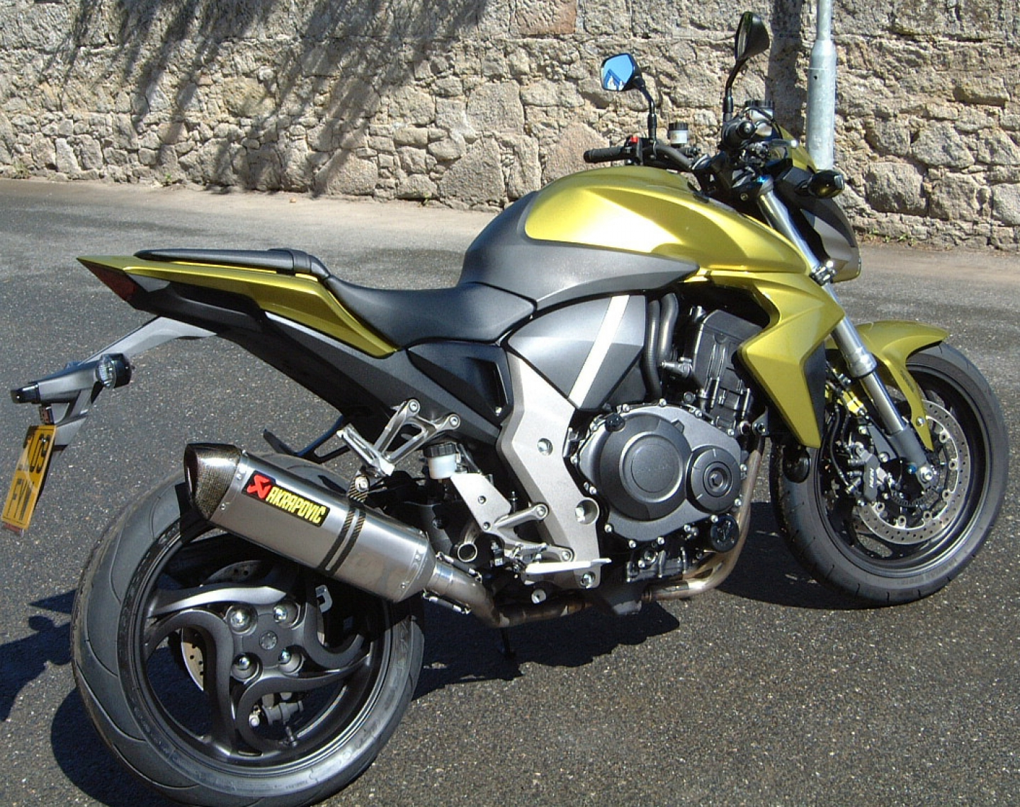 2009 honda cb 1000 r pics specs and information. Black Bedroom Furniture Sets. Home Design Ideas