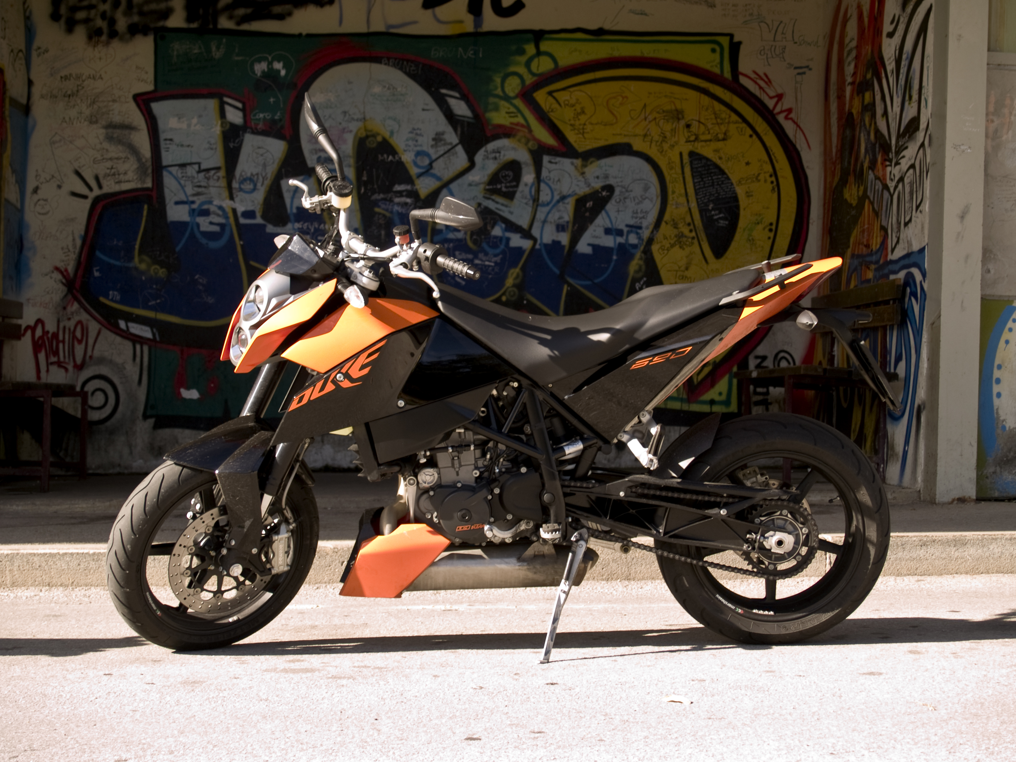 KTM 690 Supermoto Limited Edition 2010 images #155303