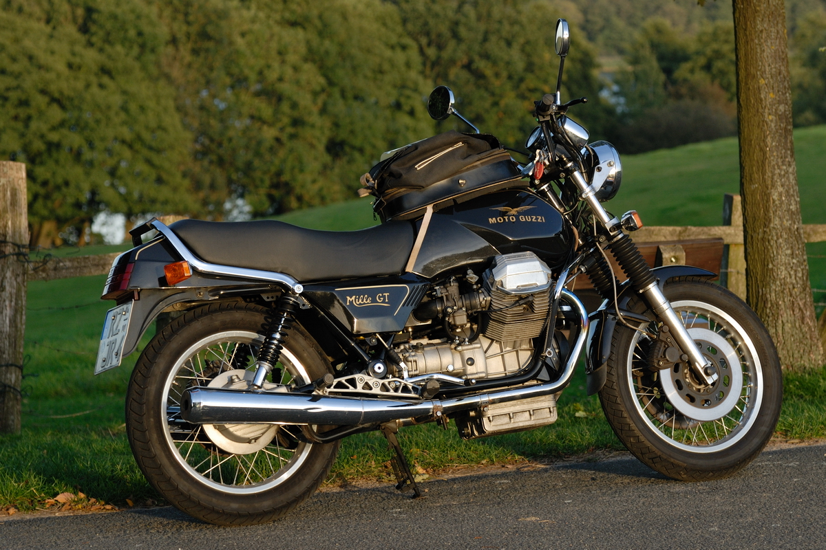 1990 moto guzzi mille gt 1000 pics specs and information. Black Bedroom Furniture Sets. Home Design Ideas