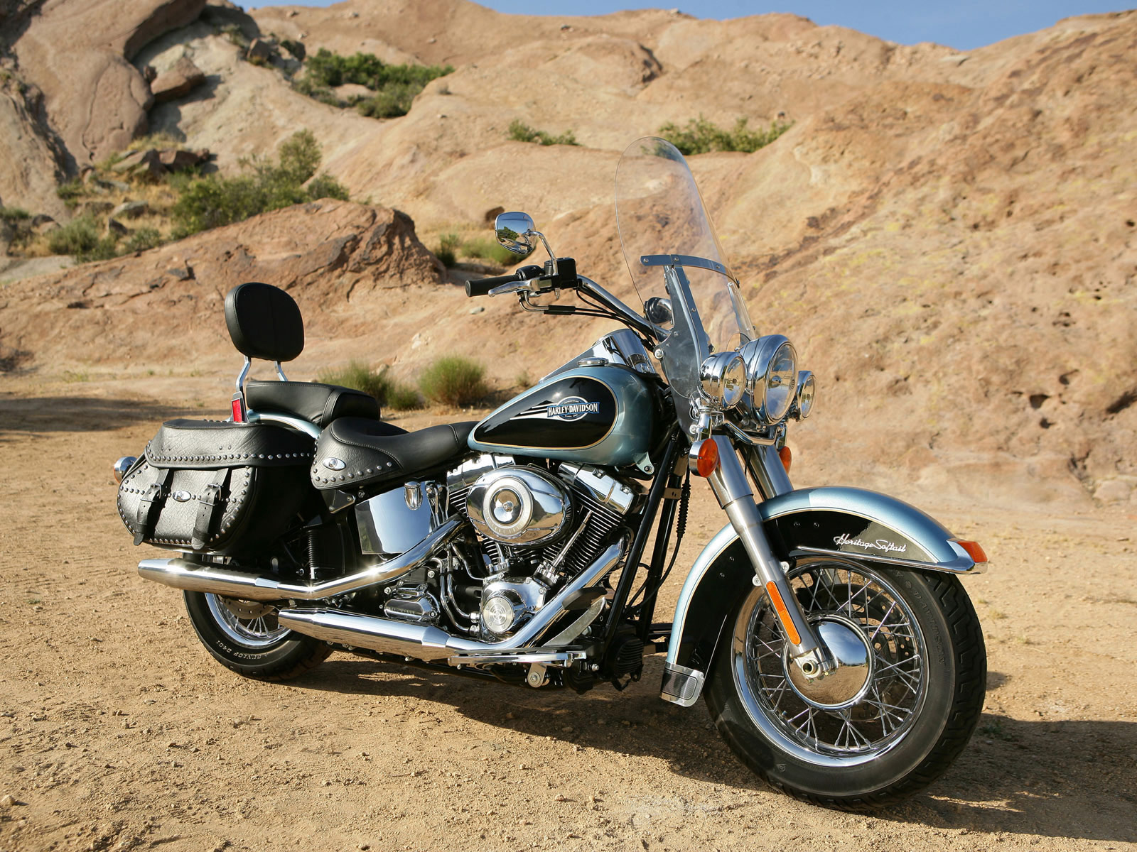Harley-Davidson FLSTC Heritage Softail Classic 2007 wallpapers #134383