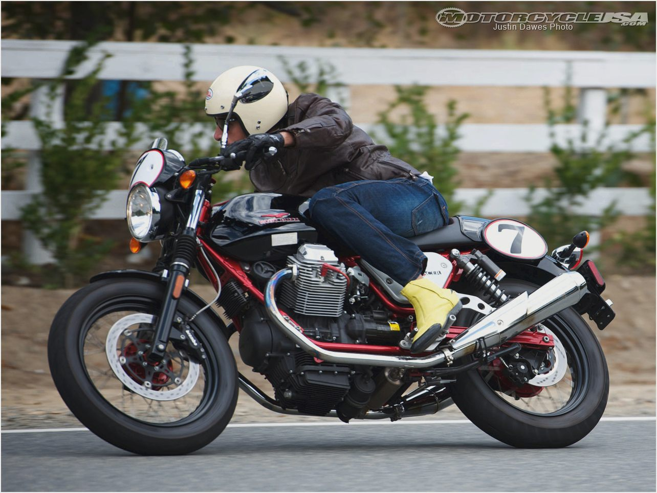 Moto Guzzi V7 Racer Limited Edition 2011 images #109582